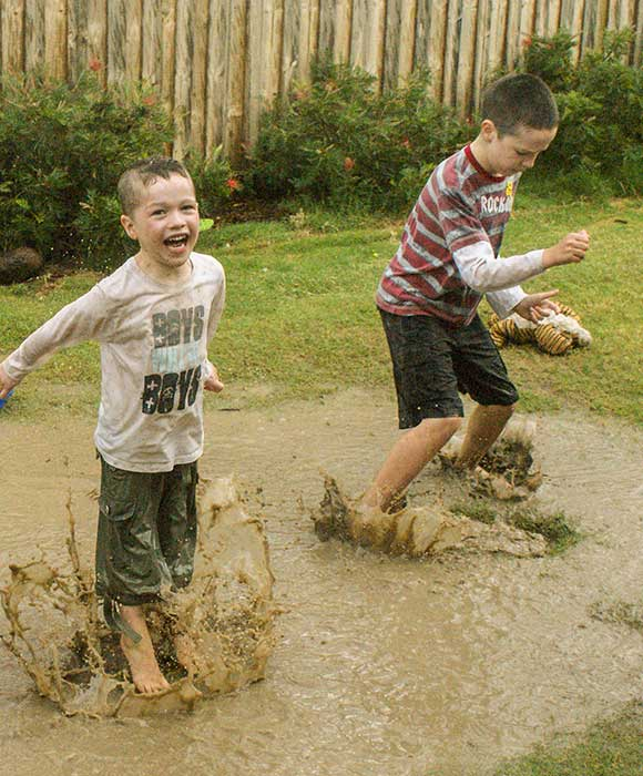 Kids-in-puddles